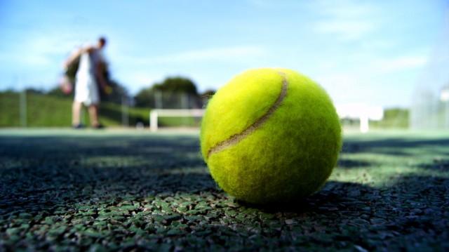 tennis_ball_by_chopshopstuk-d385m7m
